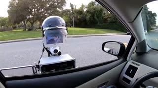 ربات پلیس امنیت جادهها را تضمین میکند