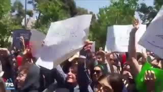تجمع اعتراضی دانشجویان دانشگاه تهران به حجاب اجباری
