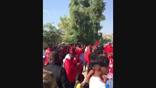 حضور پرشور هواداران پرسپولیس در مقابل باجه بلیط فروشی ورزشگاه پارس جنوبی