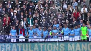 جشن کامل قهرمانی منچسترسیتی در جام حذفی انگلیس