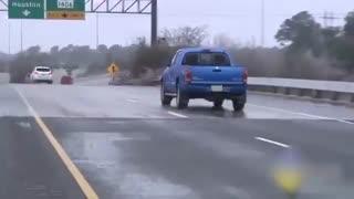 روش صحیح کنترل خودرو در جاده های لغزنده