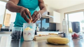 چرا ورزشکاران فقط یک وعده غذایی در روز می خورند ؟