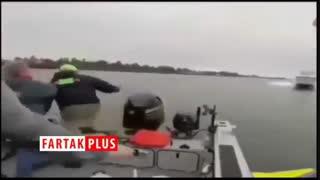 لحظه وحشتناک برخورد دو قایق