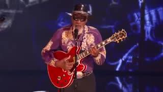 اجرای زببای خوانندگی رابرت فینلی 65 ساله در نیمه نهایی گات تلنت آمریکا