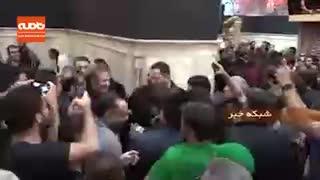 سلفی با جهانگیری معاون اول رئیس جمهوری در حرم امام حسین (ع)