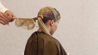 آموزش مدل مو دخترانه رز کج- مومیس مشاور و مرجع تخصصی مو