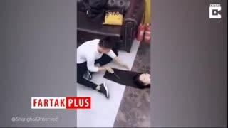 آرایشگری که حرفه خود را با قصابی اشتباه گرفته است!