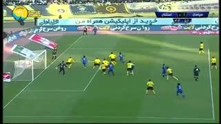 خلاصه بازی تماشایی سپاهان 2 - استقلال 2 (لیگ برتر ایران)